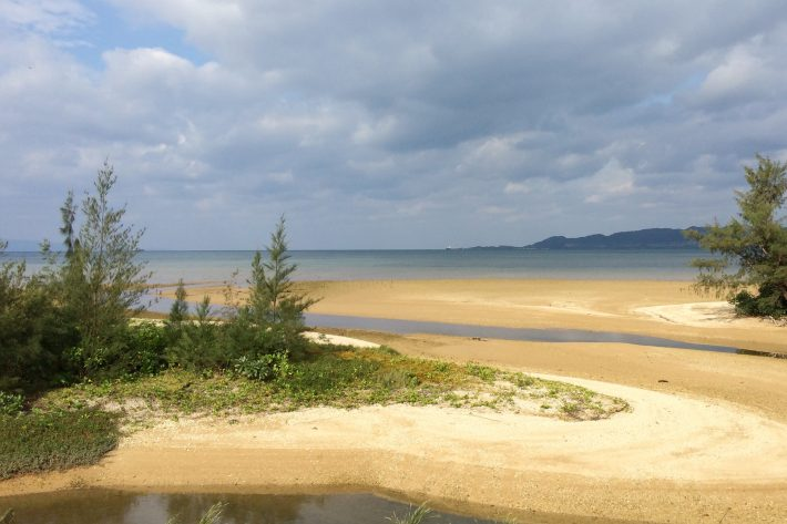海沿いのコースだけど,海が見えるのは一部です。その中の名蔵湾。