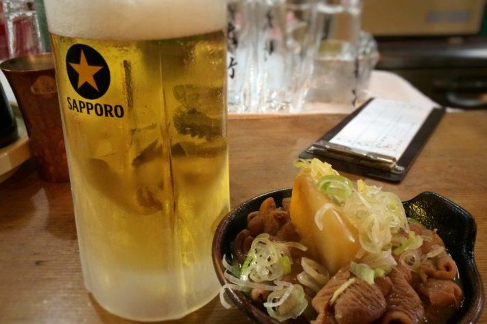 久しぶりの大竹で,いつものビールと煮込み。